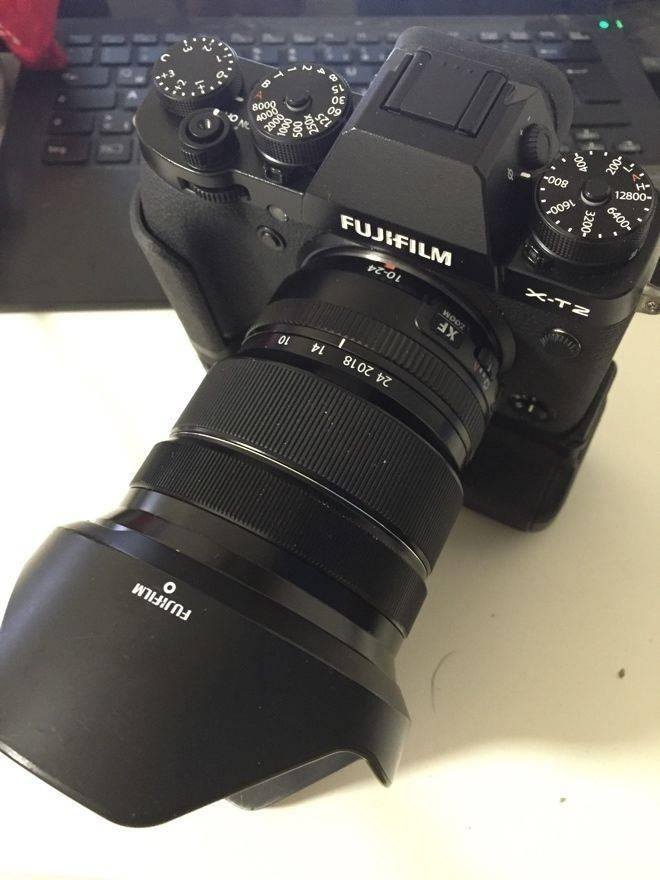 Fuji-X-T2-camera-leak